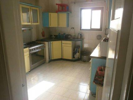 شقة 210م للبيع متفرعة من حسن المأمون بمدينة نصر