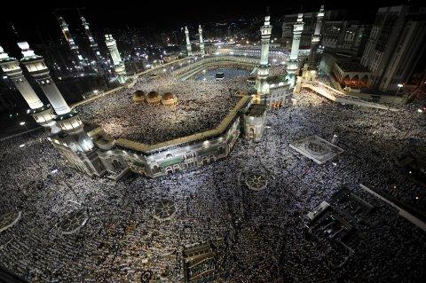 عمرة النصف الأخير من رمضان و ختام القراُن برى مــ البسمة ترافيل