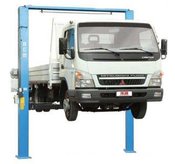 معدات مراكز خدمة وصيانة السيارات