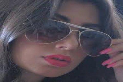 انا انسانة صريحة جدا ومن اصول عربية جميلة ورشيقة وذات قوام ممشوق