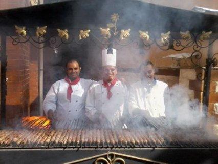 لكبرى المطاعم داخل القاهرة مطلوب طباخين