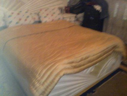 غرفه نوم خشب زان  للبيع