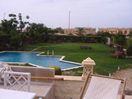للايجار فيلا 4 غرف مكيفة حمام سباحة خاص مارينا (5) 01069686646