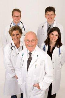 مطلوب جميع التخصصات الطبية للعمل بالسعودية فورا
