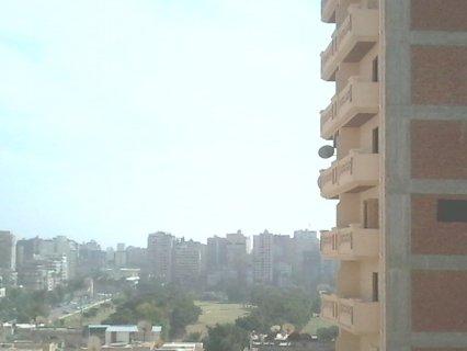 شقة للبيع 3 غرف وريسبشن خطوات من شارع ابوقير