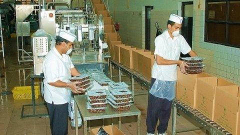 للتعين فورا مطلوب عمال انتاج براتب 1650ج للعمل بمصنع فى 6 اكتوبر