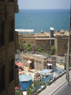 للايجار مصيف أمام نادى السيارات س.ل ترى البحر بوضوح من فينوس-
