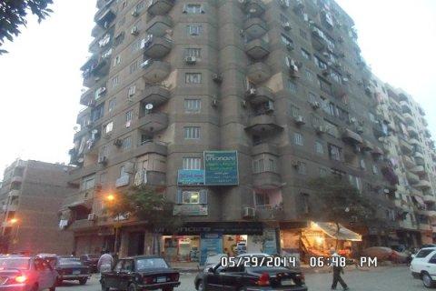 شقة للبيع بعين شمس الشرقية النعام الدور الثاني متشطبه من أسرة