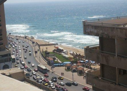 للايجار اليومى شقة 140م على خالد بن الوليد رأسا بجوار فندق رمادا