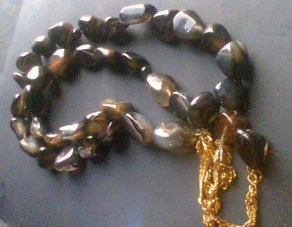 لمحبى المجوهرات النادره للبيع سبحه من الياقوت السيرلانكى