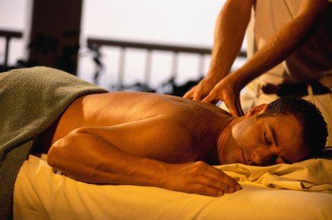 عضلاتك مشدودة مرهق وتعبان راحتك فى جلسة مساج مع مدربات متخصصات m