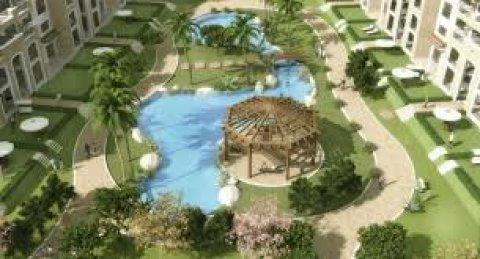 شقة للبيع 220م ارضى بحديقة خاصة بالقاهره الجديدة بالتقسيط