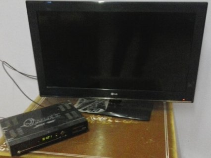 تليفزيون ال جي 32 بوصه اتش دي  + ريسيفر كيو ماكس اتش دي 999 للبي