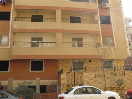 شقة بحدائق الاهرام بعمارة فخمة وقريبه من البوابة الرابعة