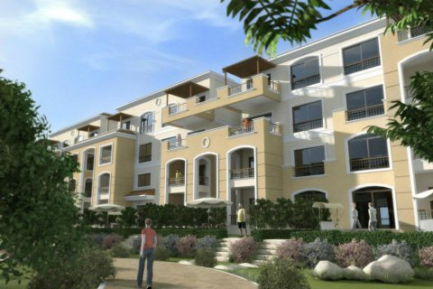 شقة للبيع بقدم 15% مساحة 200م ارضى بحديقة خاصة بالقاهره الجديدة