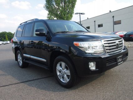 URGENT SALES : 2013 Toyota Land Cruiser V8
