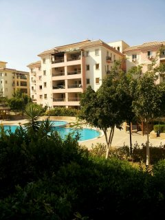 بالصور شقة رائعة للبيع بدريم لاند في 6 اكتوبر تطل على حمام سباحة
