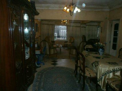 شقة 130م للبيع متفرعة من مكرم عبيد بمدينة نصر