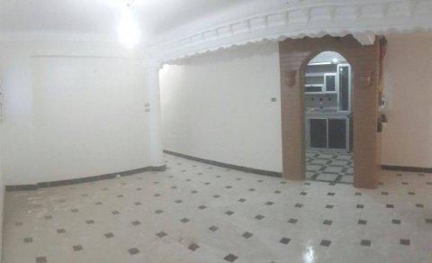 شقة للبيع بمنطقة البيطاش / بيانكي جاهزة للسكن و لم تسكن من قبل