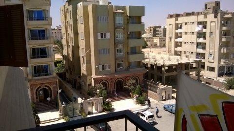 فرصة وحدة سكنية بالحي الثامن بمنطقة شارع الصحفيين الراقية