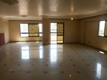 شقة 240م للإيجار بمدينة نصر
