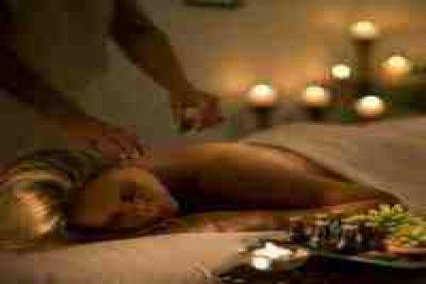 انعش يومك بحمام بخار وتنظيف بشرة وجلسة مساج بالزيوت العطرية