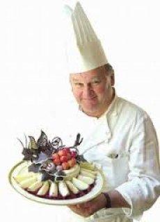 مطلوب طباخين بمطعم كبير بالزمالك براتب 1800 ج .. 8 ساعات