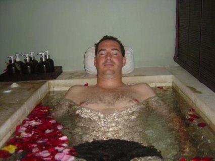 مساج و تدليك بدقة و إحساس و حمام مغربى لأحسن ناس  01127498250