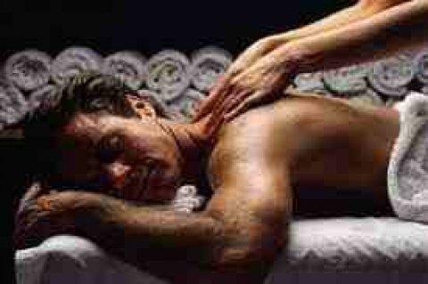 مساج لهدوء الاعصاب والاسترخاء وحمام مغربى بالطمى وتعطير الجسم