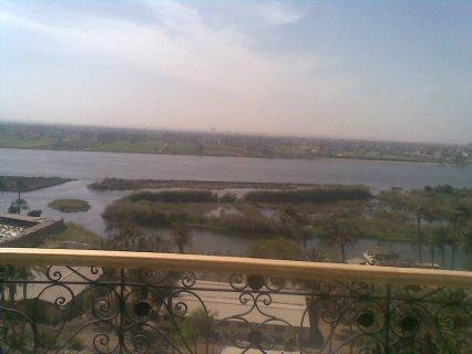 شقة على كورنيش النيل مباشر175م  ب 270الف