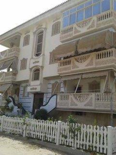 شقة غربي بقرية راس البر زمان براس البر