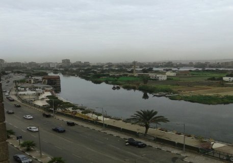 شقه للبيع 160م متشطبه تطل على النيل مباشره بشارع البحر الاعظم