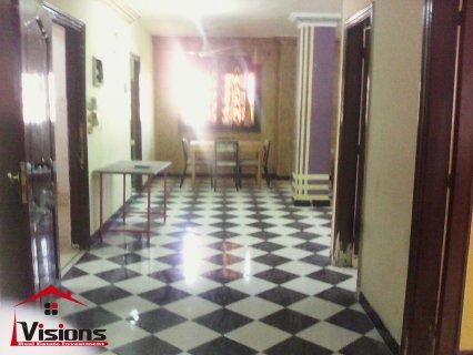 للايجار شقة مفروشة للطلبة بالحى السابع بجوار مسجد عمر بن الخطاب