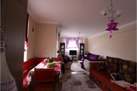 الشقة دوبلكس 3+1 غرف اُنشأ قبل خمس سنوات في مارمريس