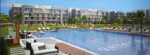 شقة للبيع بحديقة تطل علي حمام سباحة بالتجمع بالتقسيط علي6سنوات
