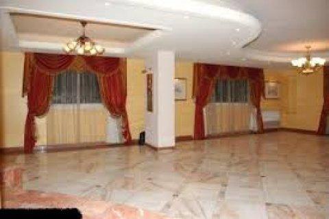 مكتب 300 م بعمارة عالنيل بـ8000 فقط