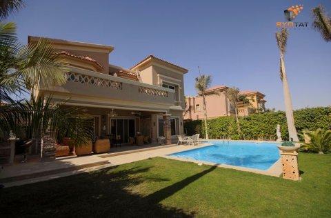 Luxury  Separate villa in Seasons Compound ( Hassan Allam )