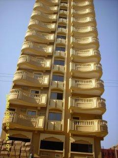 شقة للبيع بالهرم بمحطة مدكور 140م ب115 الف ببرج فخم