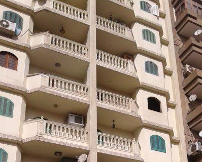 شقة للبيع بشارع الفاتح