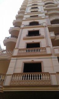 شقة للبيع بمساحة 140 متر بشارع بن الفارض