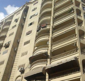 شقة للبيع بشارع النادى