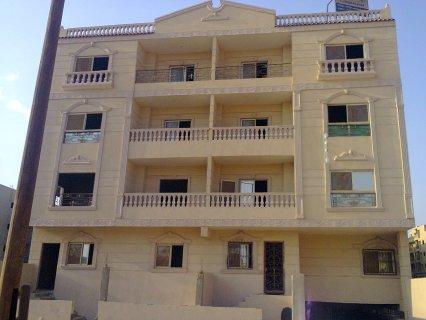 شقة تسليم فورى بمدينة الشروق المنطقة السادسة 176
