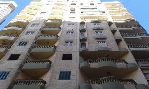 شقة للبيع بشارع النحاس بمساحة 125 متر