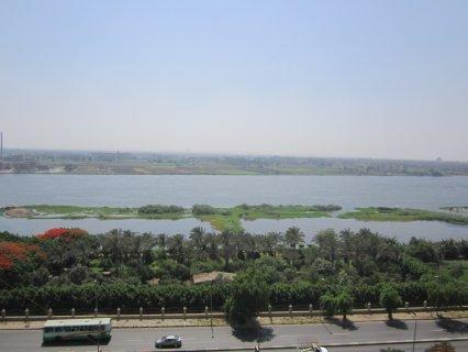 شقة على كورنيش النيل مباشر175م  ب 300الف