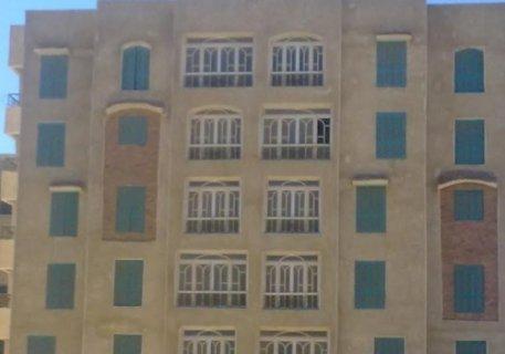 شقة  مميزة  155م بالحى     السابع بجوار مجمع  خدمات