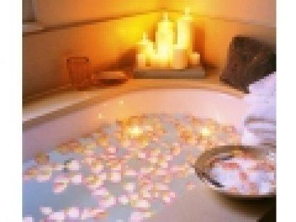حمام كليوباترا بالعسل الابيض والخامات الطبيعية 01022802881