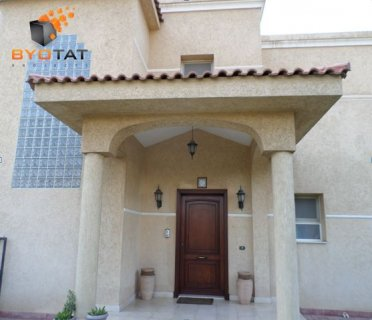 Luxury villa in AlGizera Compound New Cairo for sale