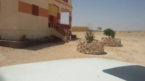 قريبه من البحر 1500متر تقريبا مشتراه من اللجنه النقابيه للتربيه