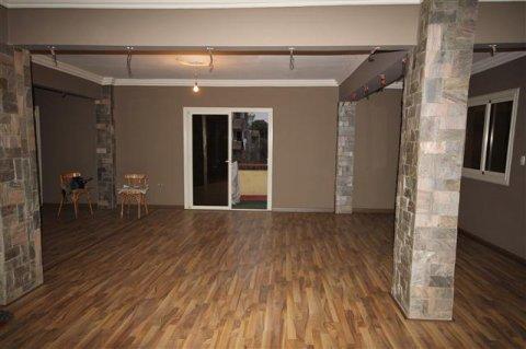 شقة 300 متر بموقع متميز بمصر الجديدة