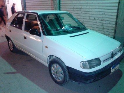 سيارة سكودا فلشيا موديل 95 اللون ابيض بحاله ممتازة دواخل فبريكة